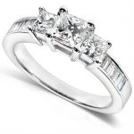 Diamond Three-Stone Engagement Ring 1 1/2 carats (ctw) in 14K Yellow Gold