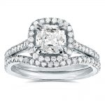 Cushion-cut Diamond Halo Bridal Ring Set 1 3/5 Carat (ctw) in 14k White Gold